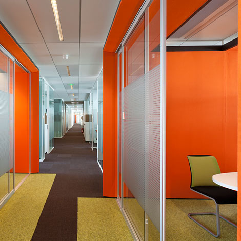 Xolf donne des couleurs novalis taitbout office et culture for Amenagement jardin 400m2