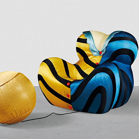 Chair up dresse / Gaetano Pesce