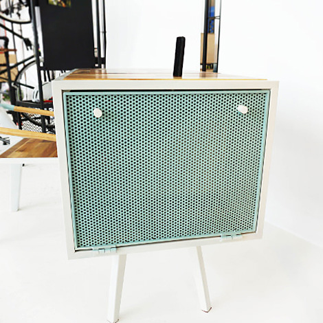 Soundbox table