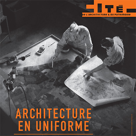 Affiche expo architecture en uniforme